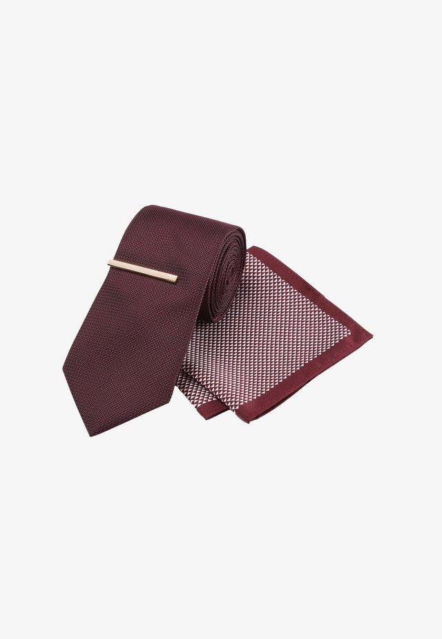 WIDER BLADE - Tie - red