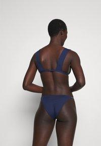 Women Secret - HALTER REMOVABLE PAD - Bikini top - blue - 2