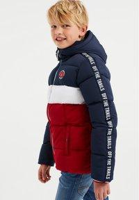 WE Fashion - JONGENS - Chaqueta de invierno - dark blue/red - 1
