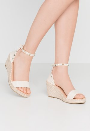 WIDE FIT TAMSIN - Espadrilky - nude