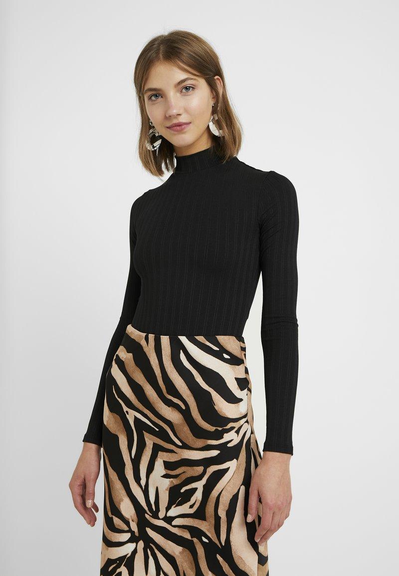 Miss Selfridge - HIGH NECK CLEAN BODY - Långärmad tröja - black