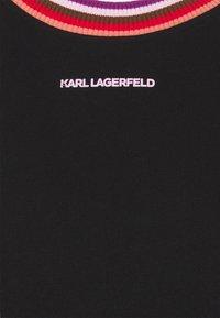 KARL LAGERFELD - STRIPE RIB T-SHIRT DRESS - Day dress - black - 2