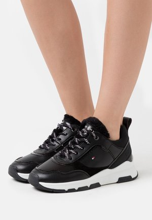 SPORTY CHUNKY WARM  - Sneakersy niskie - black
