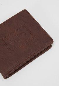 Billabong - ARCHIN - Peněženka - chocolate - 2