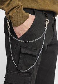 Redefined Rebel - MILTON - Pantalon cargo - black - 4