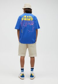 PULL&BEAR - Print T-shirt - mottled royal blue - 4