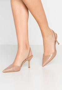 Dune London - CATRINAA - Klassiske pumps - camel - 0