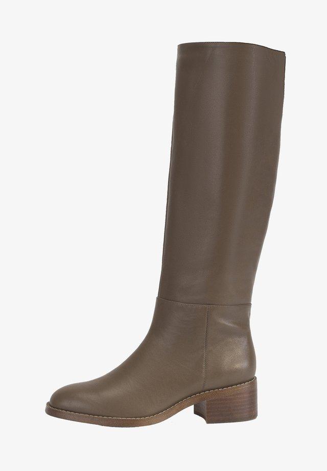Boots - oliv