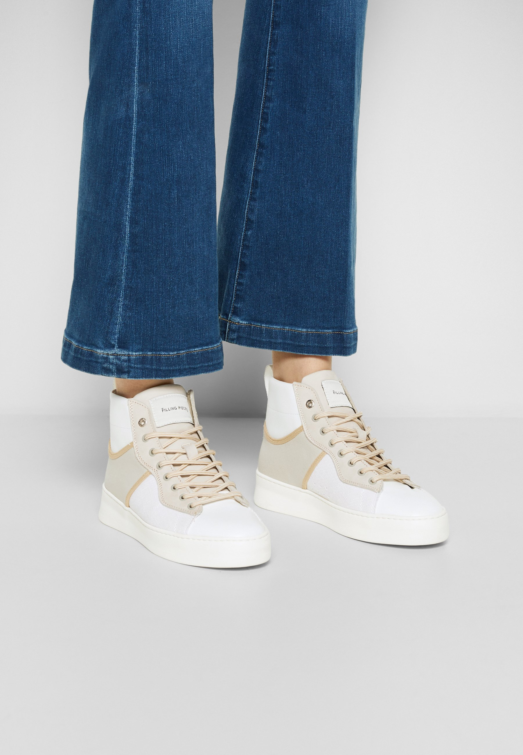 Women MID COURT LIGHT - High-top trainers