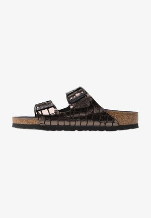 ARIZONA - Slippers - gator gleam black