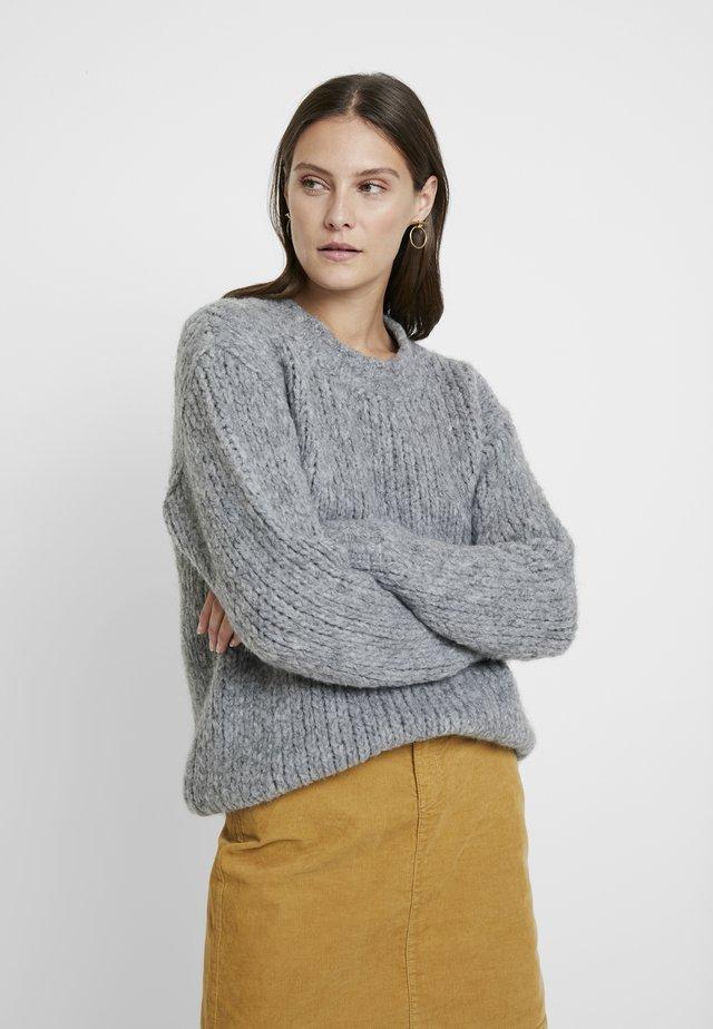 TRILLY - Stickad tröja - steel grey
