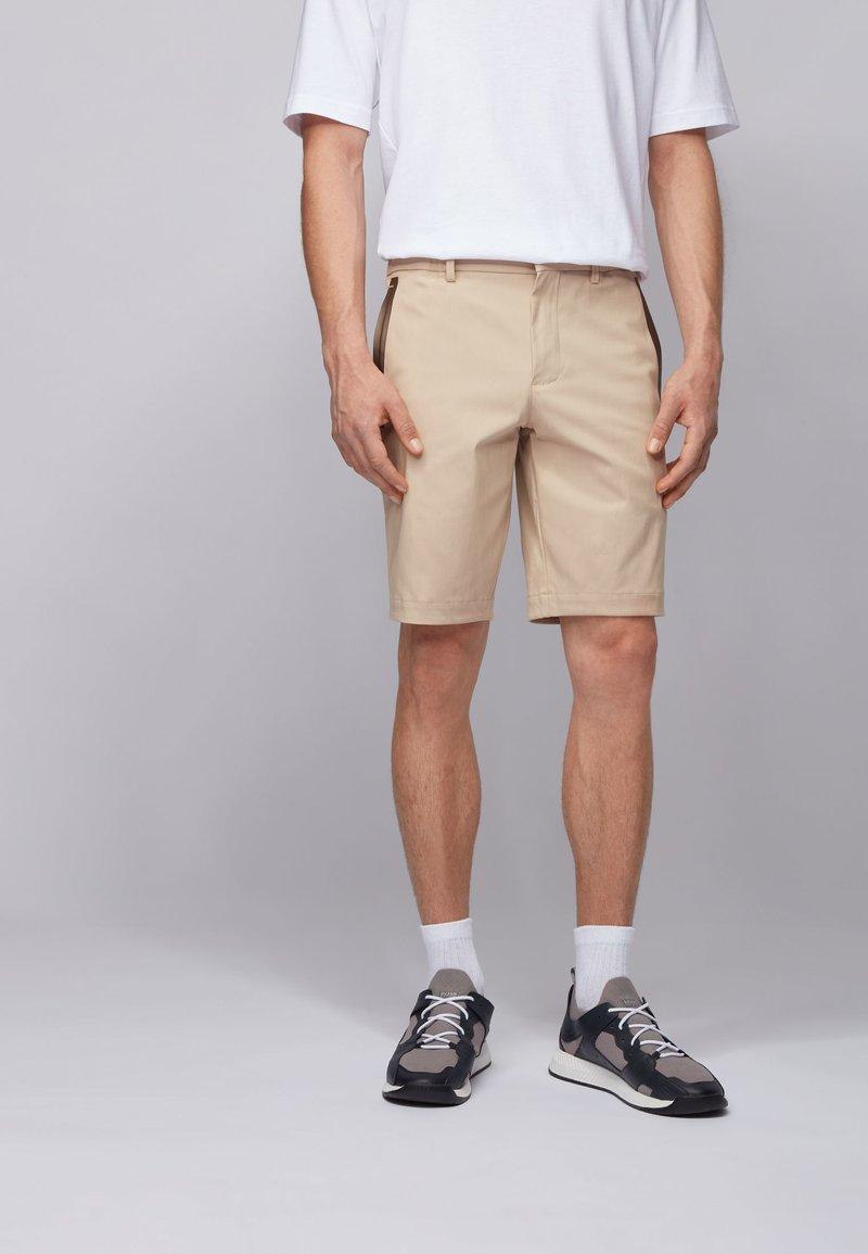 BOSS - LIEM - Shorts - light beige