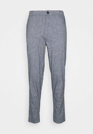 SLHSLIMTAPERED ISAC PANTS - Kalhoty - navy blazer