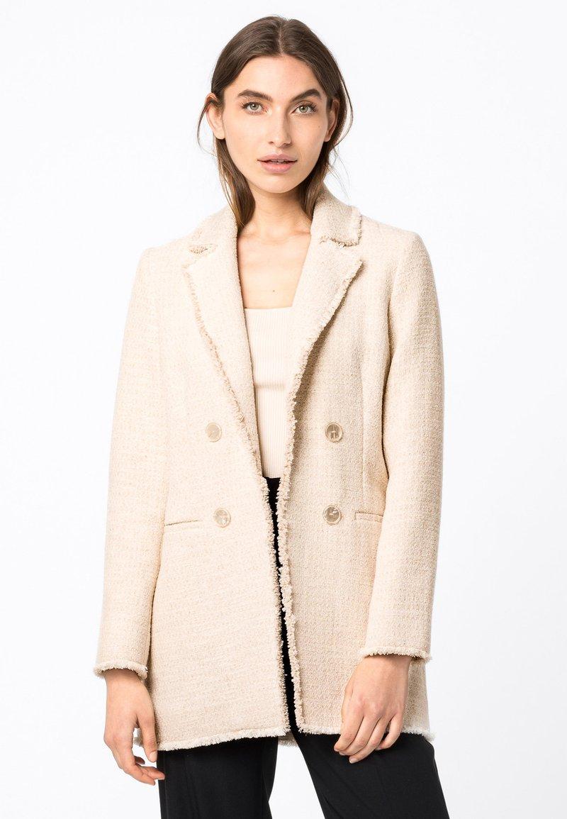 HALLHUBER - Short coat - creme