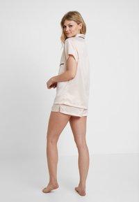 BlueBella - ABIGAIL - Pyjama set - pale pink/black - 2
