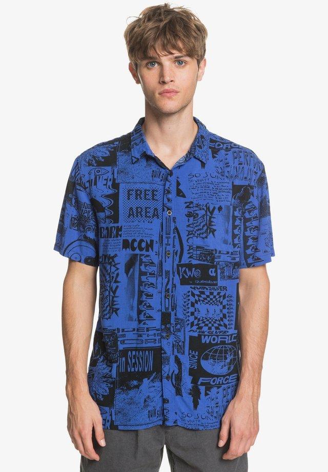 FLUID GEO - Shirt - dazzling blue vortex