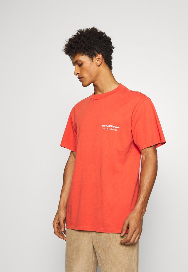 BOXY TEE - T-shirt print - orange