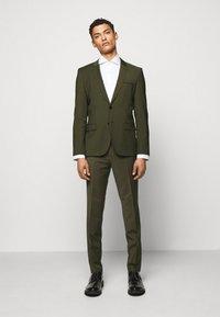 HUGO - ARTI HESTEN - Suit - dark green - 0