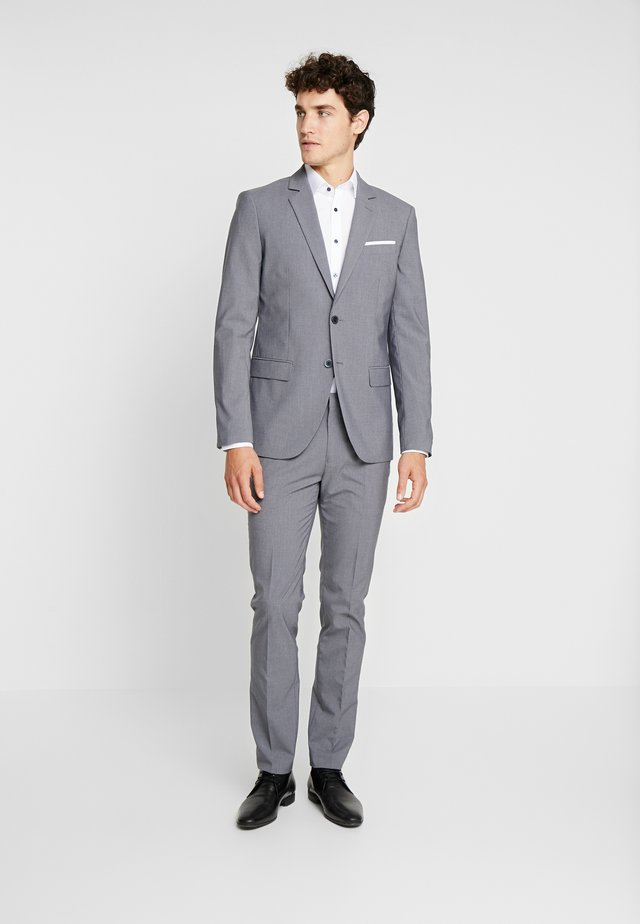 Garnitur - grey