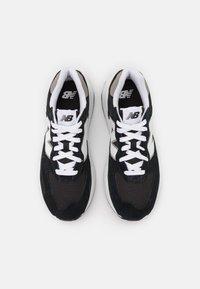 New Balance - 5740 UNISEX - Sneakers - black/white - 3