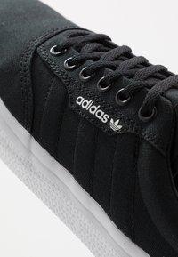 adidas Originals - 3MC - Trainers - core black/footwear white - 5