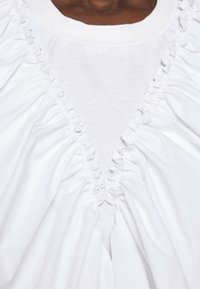 3.1 Phillip Lim - BUTTERFLY RUFFLE SLEEVE TANK - Print T-shirt - offwhite - 6