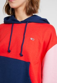 Tommy Jeans - COLORBLOCK HOODIE - Hoodie - black iris/multi - 5