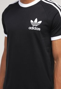 adidas Originals - CALIFORNIA - T-shirt imprimé - black