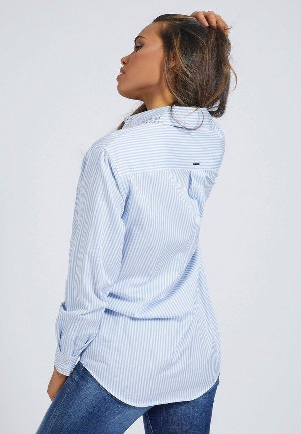 Guess POPELINE - Koszula - mehrfarbig/weiß/jasnoniebieski WVHS