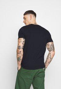 Burton Menswear London - EMBROID 2 PACK - Basic T-shirt - navy/khaki - 2