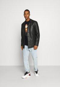 Chi Modu - PAC BANDANA - Print T-shirt - black - 1