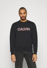 Calvin Klein - GRAPHIC LOGO - Sweatshirt - black - 3