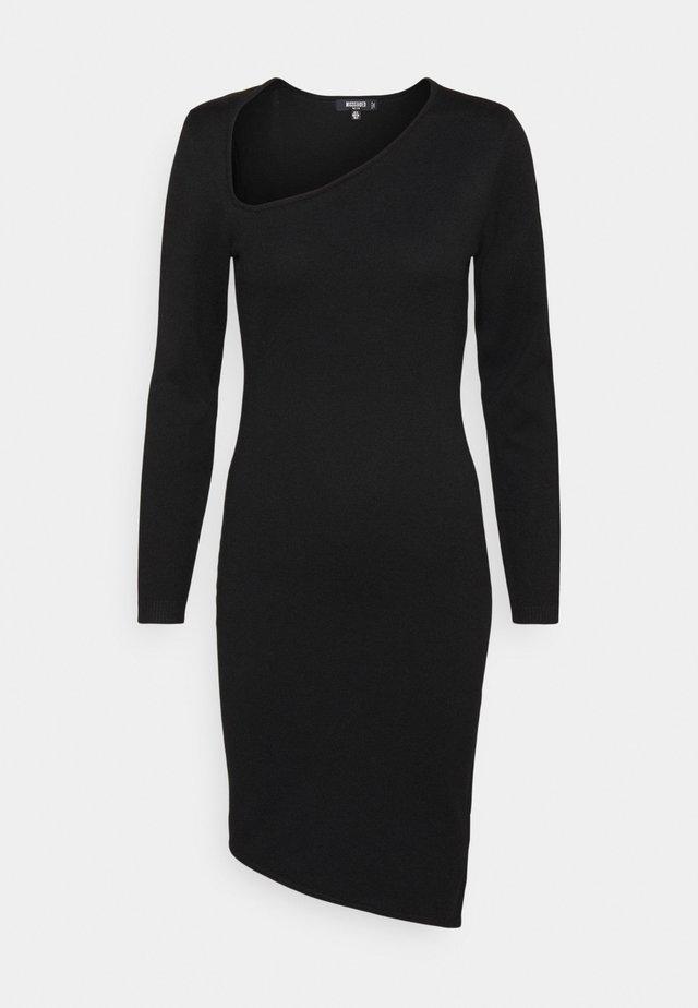 ASYMMETRIC NECK AND HEM MIDI DRESS - Denní šaty - black