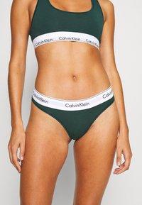 Calvin Klein Underwear - MODERN THONG - String - camp - 0