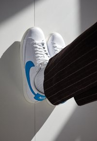 Nike Sportswear - BLAZER - Trainers - white/laser blue/sail - 2