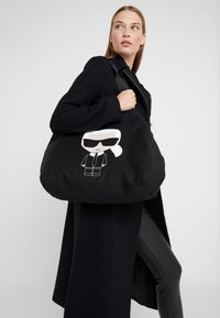 KARL LAGERFELD - Bolso shopping - black - 1