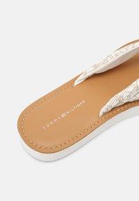 Tommy Hilfiger - BEACH  - T-bar sandals - ecru - 5