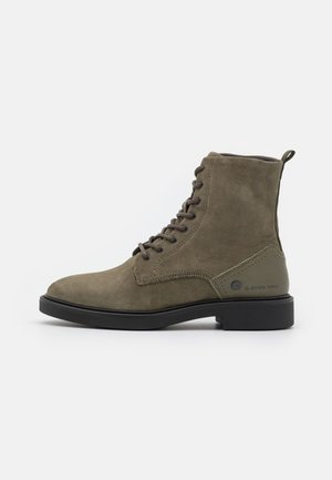 VACUM II HGH TMB W - Lace-up ankle boots - oliv
