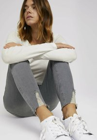TOM TAILOR DENIM - JANNA - Jeans Skinny Fit - used mid stone grey denim - 5