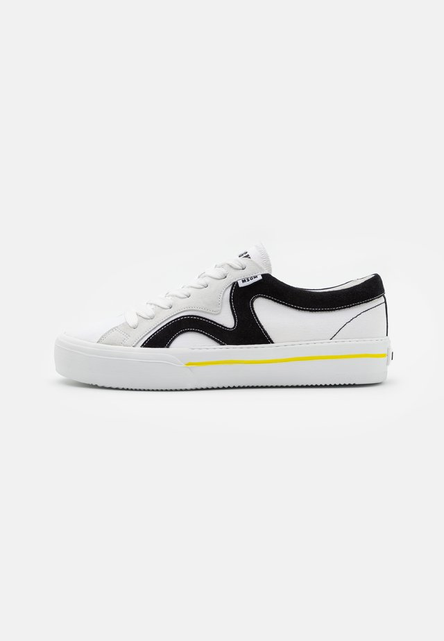 VULC - Baskets basses - white
