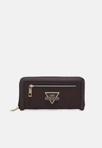Wallet - brown dark