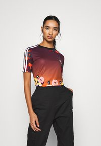 adidas Originals - GRAPHICS SLIM SHORT SLEEVE TEE - T-shirt print - multicolor - 0