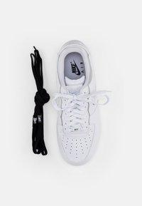 Nike Sportswear - NIKE AF1 - Sneakers laag - white/white-white-white-black-black - 5