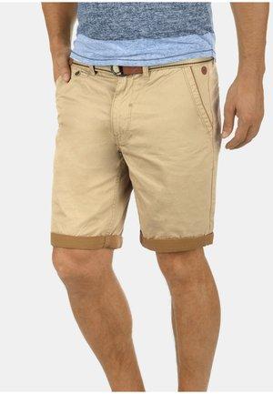 NEJI - Shorts - chalk ston