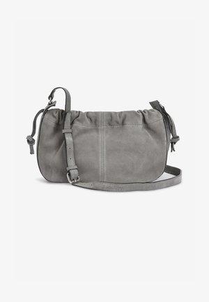 BUCKET  - Taška spříčným popruhem - grey