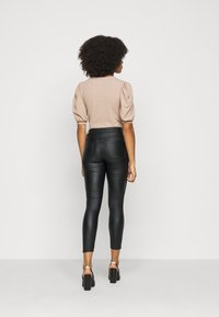 VILA PETITE - VICOMMIT COATED PANT - Pantalon classique - black/silver - 2
