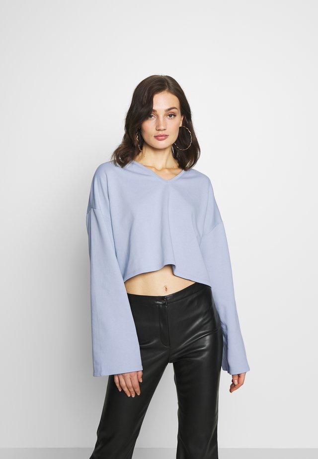 OVERSIZED SWEATER - Collegepaita - light blue