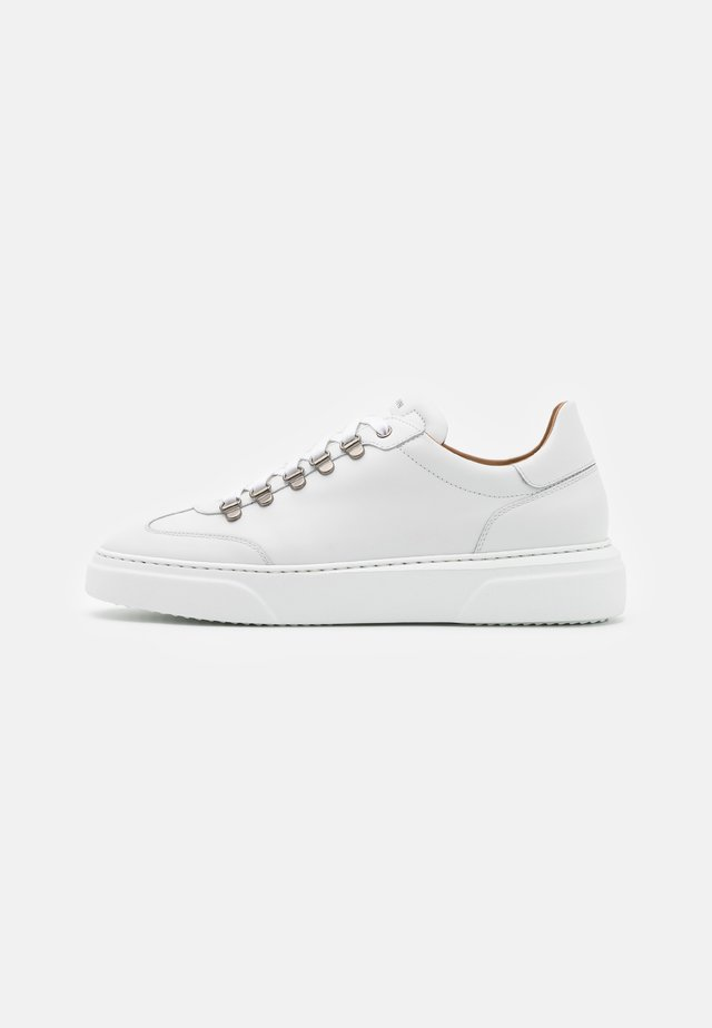 Sneakers laag - blancotono