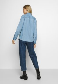 edc by Esprit - EASY BLOUSE - Camisa - blue light wash - 2