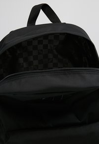 Vans - OLD SKOOL PLUS BACKPACK - Reppu - black - 4